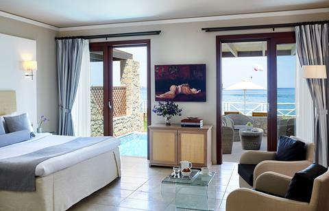 Junior Suite Sea Front with Private Pool
