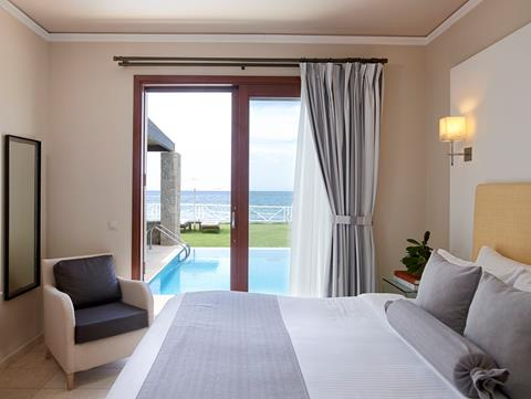 Luxury Suite Sea Front with Private Pool