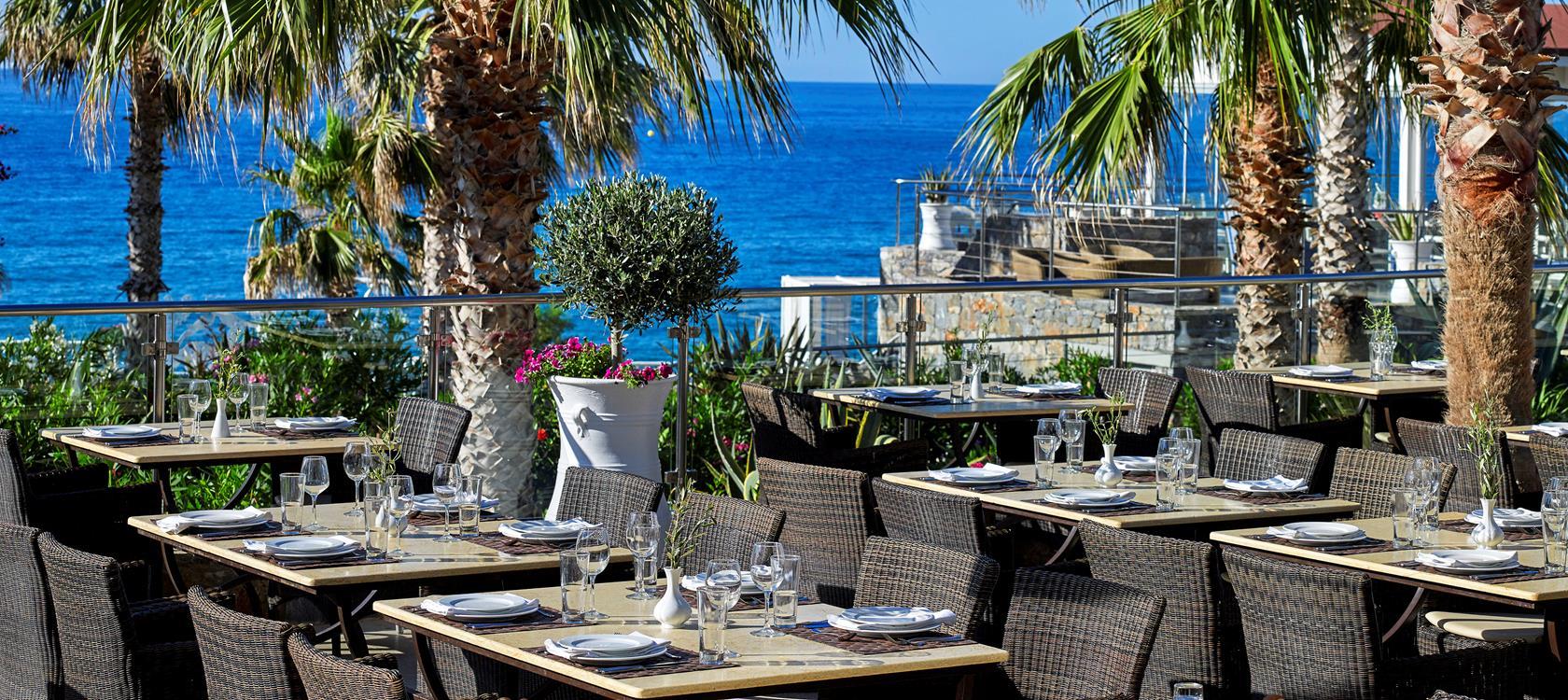 restaurant bars in luxury resort ikaros beach travel. Black Bedroom Furniture Sets. Home Design Ideas