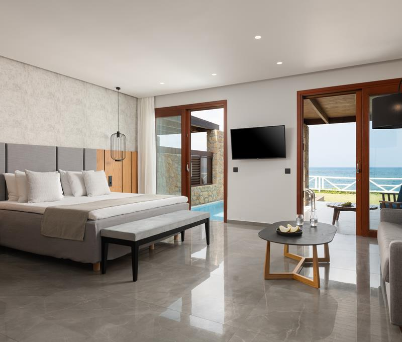 JUNIOR SUITES SEA FRONT WITH PRIVATE POOL